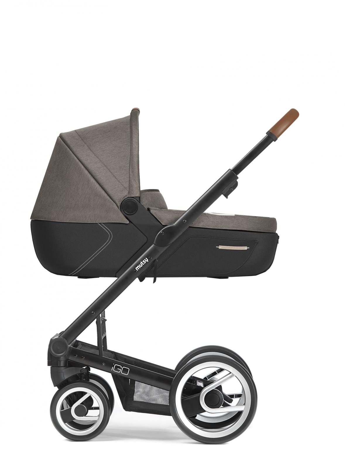 Mutsy Igo Pure Black Chassis Baby Plus B V